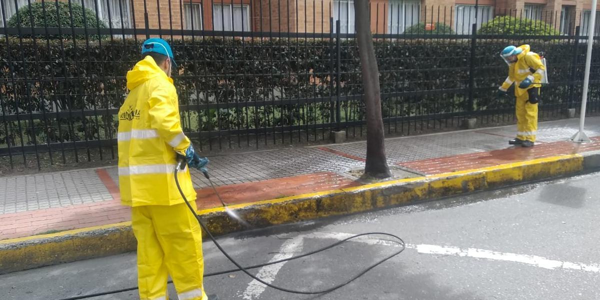 Rociar calles con desinfectante es peligroso y poco eficaz: OMS revela razones