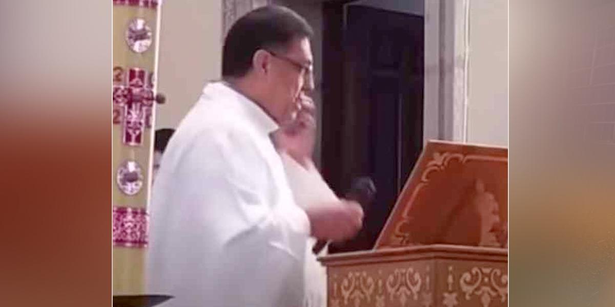 Papa Francisco sorprende a un padre con una llamada por teléfono en plena misa