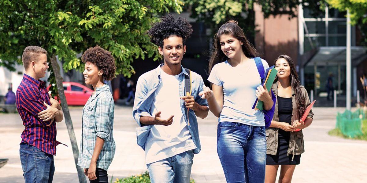 mejores universidades colombianas estudiantes jovenes educacion