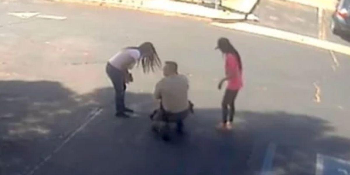 policia salva bebe que se traga moneda
