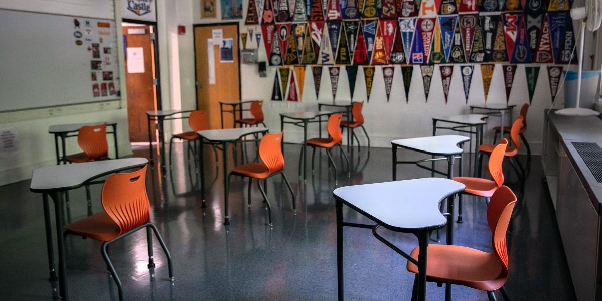 profesores alumnos covid-19
