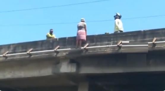 policías mujer ciénaga puente