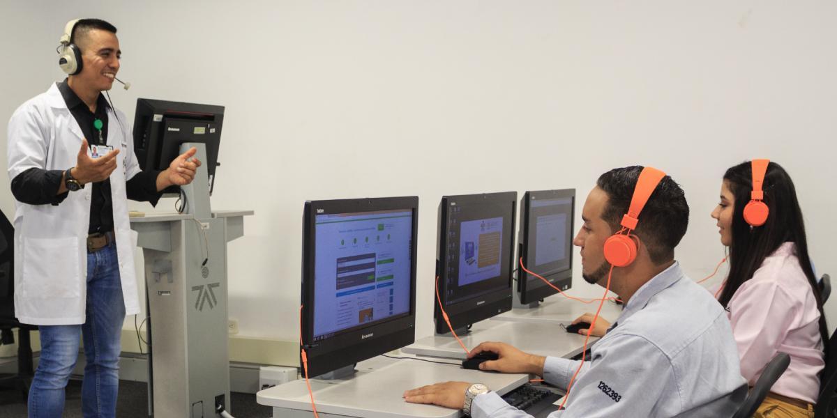 SENA firma alianza con Oracle para formar a más de 40 mil aprendices en programación y desarrollo web