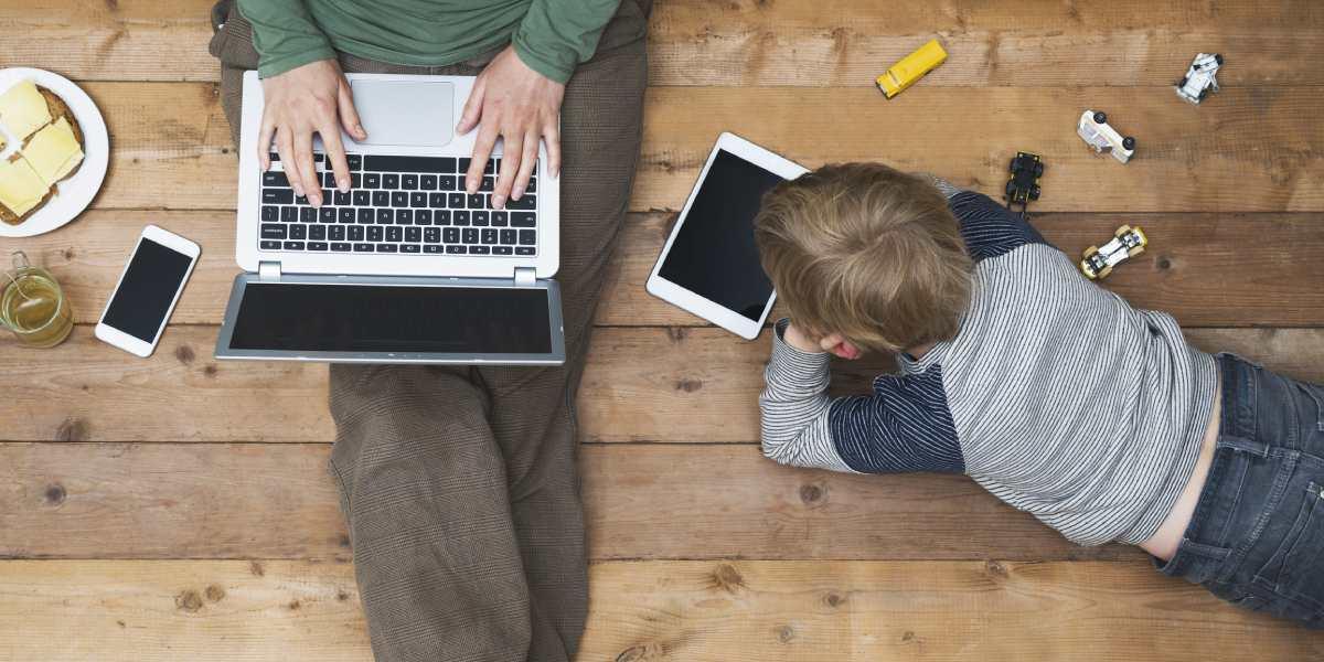 Expertos advierten que pasar mucho tiempo frente a pantallas podría reducir el coeficiente intelectual