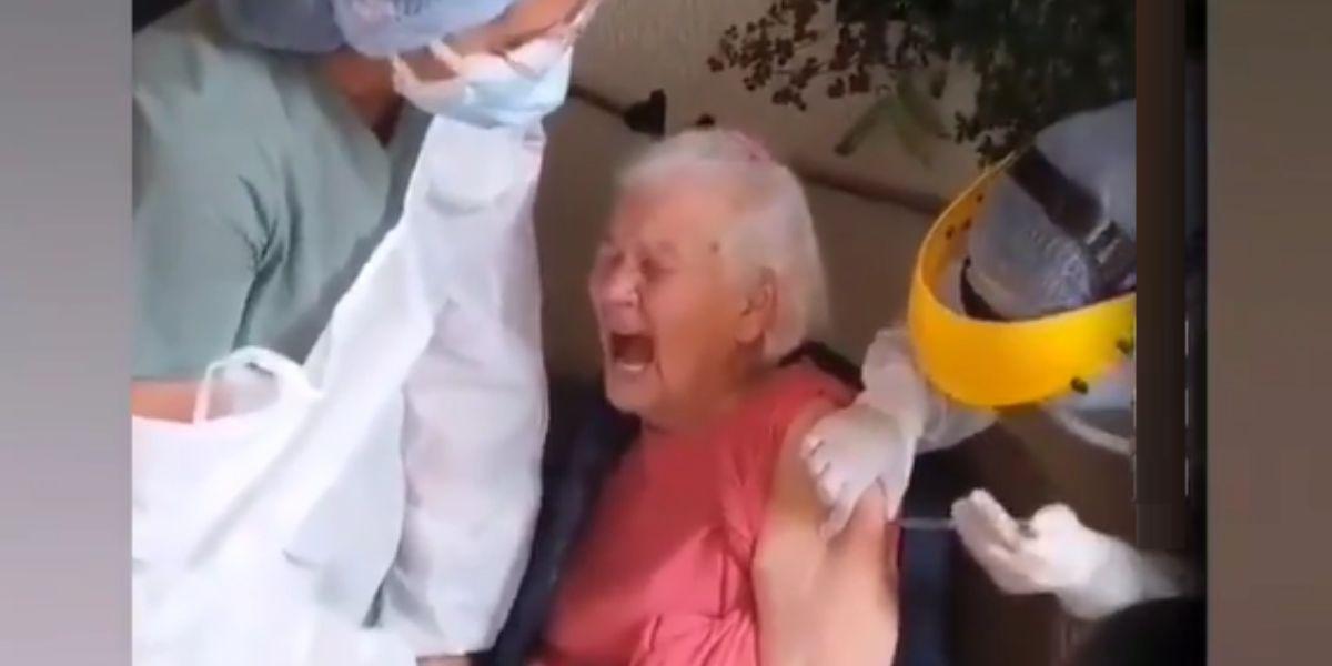 abuelita vacunada