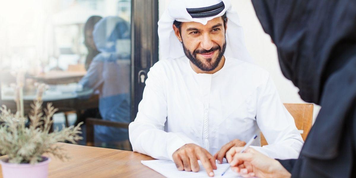 trabajo en Catar y Arabia Saudita para quienes saben poco o mucho inglés