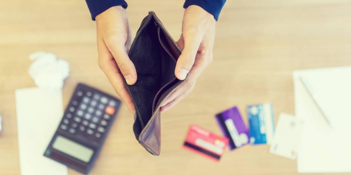 Cuatro gastos que te mantienen pobre y que debes evitar