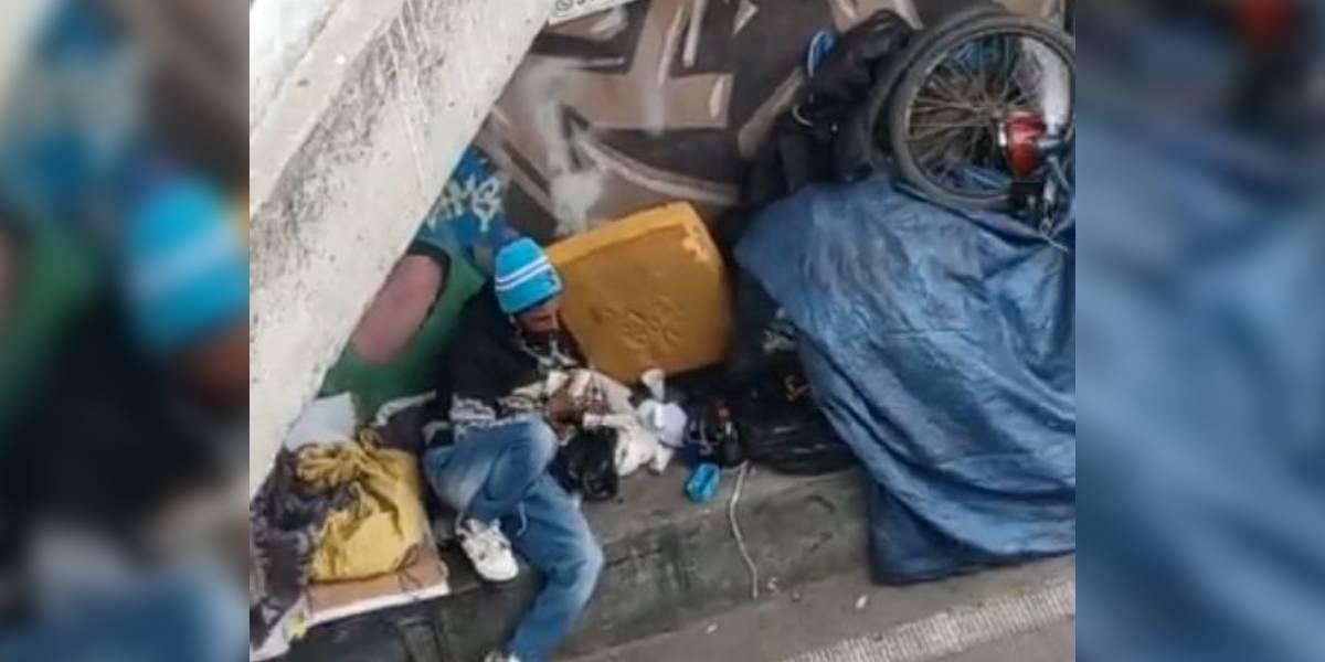 video ladron de bicicletas contando billetes dinero bogota puente americas