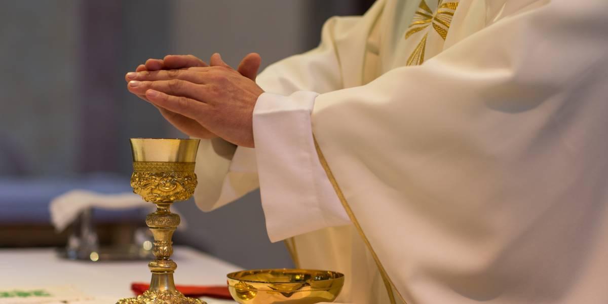 Renunció sacerdote por amor