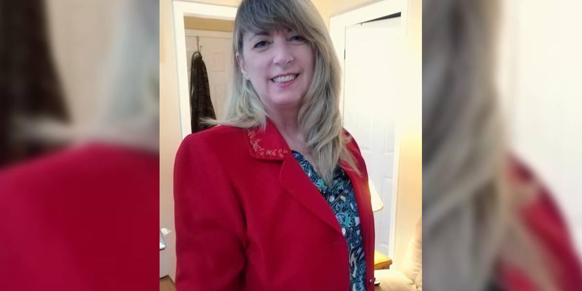 mujer compro chaqueta roja nota ultimo deseo dueña anterior