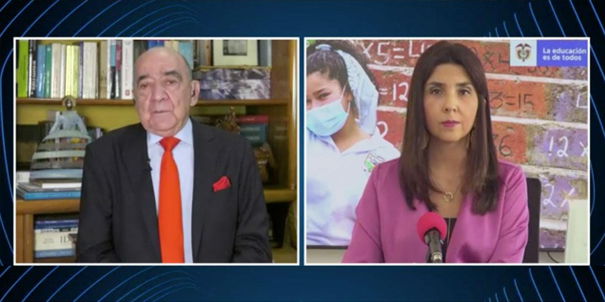 Ministra de Educación, María Victoria Angulo, habla en Pregunta Yamid
