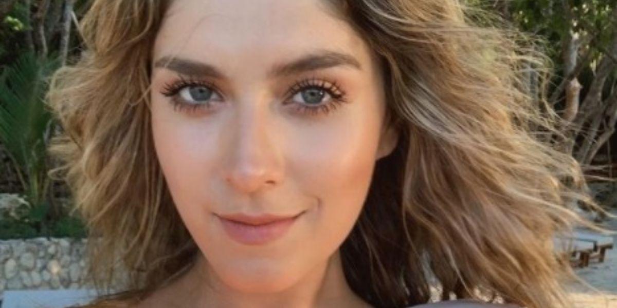 Laura Tobón desnuda foto en Instagram