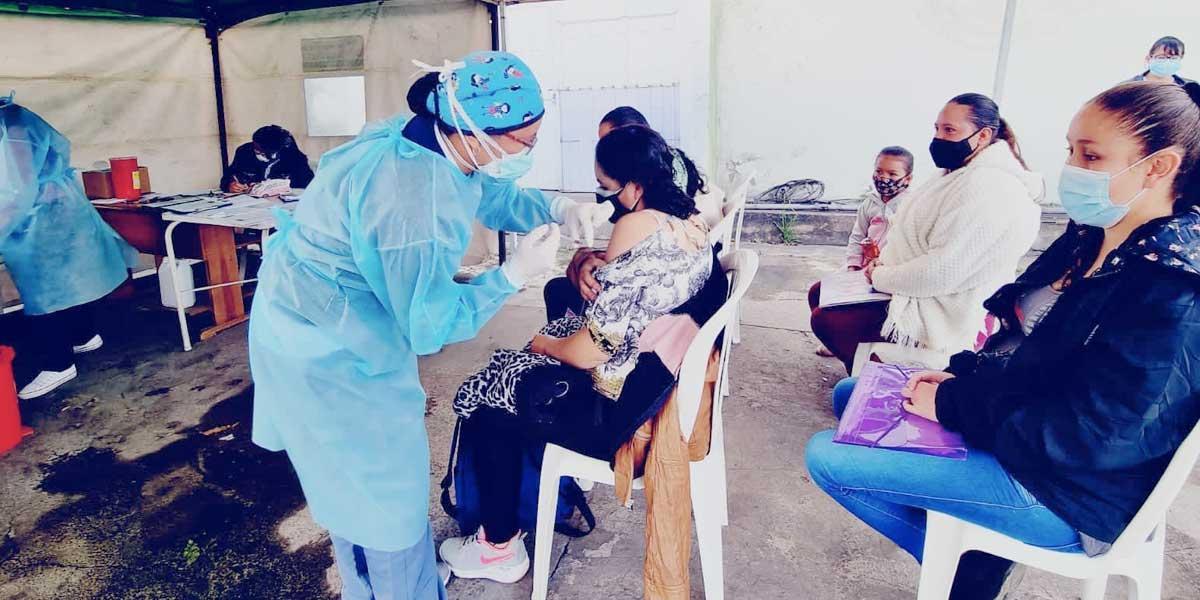 Vacunación masiva y sin agendamiento para mayores de 18 y más años en  Cundinamarca - Noticentro 1 CM&