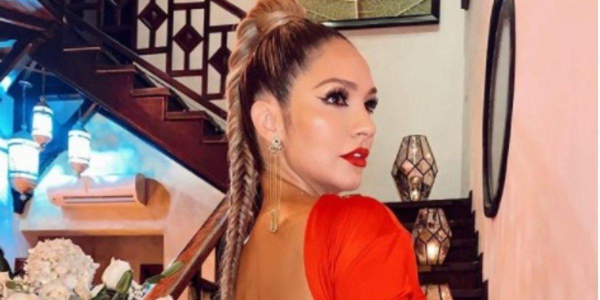 Kimberly Reyes presumió sus nalgas con diminuto hilo negro